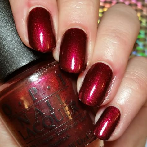 #OPIStarlight's Let Your Love Shine is the only lacquer you'll need for the holidays and Preen.Me VIP A Colleen agrees to that. Find out how to get this beauty on your finger tips here: