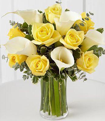 Fiori Gialli Mazzo.Composizioni Floreali Per La Festa Confezioni Floreali
