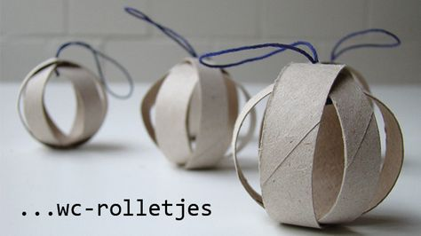 kerstversiering met wc rolletjes...this would be a cool christmas ordanment