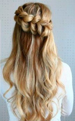 Peinados con trenzas media cola