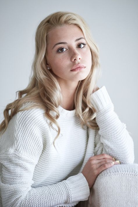 Alexander Vinogradov, Anya | Beauty | Pinterest