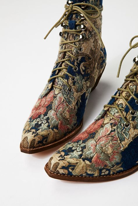Shoe Boots, Ankle Boots, Mode Shoes, Fall Shoes, Mode Inspiration, Western Boots, Western Style, Black Boots, Me Too Shoes