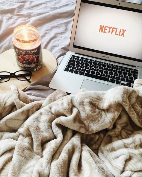 Netflix and chill - candle and plaid - cocooning moment and perfect hygiene #cocooni ...   - • Cocooning • - #candle #chill #cocooni #cocooning #hygiene #moment #Netflix #perfect #plaid