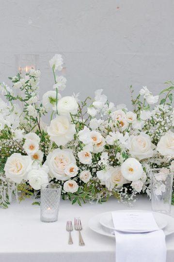 Elegant Wedding Centerpiece Idea White Flower Greenery Centerpiece Stems White Floral Centerpieces Elegant Wedding Centerpiece Wedding Flower Decorations