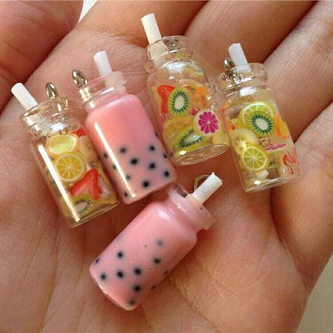 Mini Miniature fruit water mason jars with straws - fruit are nail art items - suspended in resin Fimo Kawaii, Polymer Clay Kawaii, Polymer Clay Charms, Kawaii Crafts, Polymer Clay Miniatures, Resin Crafts, Fun Crafts, Doll Crafts, Bottle Charms