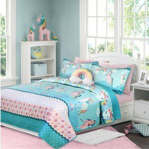 Verlyn Reversible Quilt Set In 2021 Quilt Sets Reversible Quilt Luxury Quilts