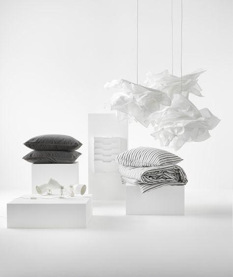 KRUSNING hanglampenkap | IKEAcatalogus nieuw 2018 IKEA IKEAnl IKEAnederland inspiratie stijl  wonen slapen KVISSLE tijdschriftenrek