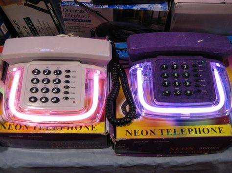 Neon #Telephones