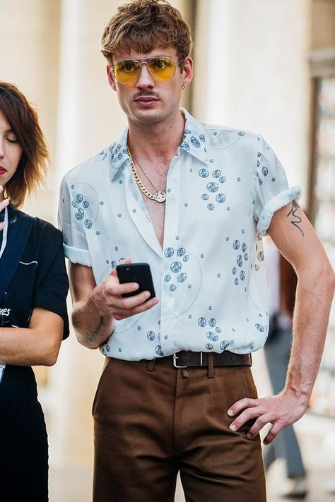 Street Style à la Fashion Week homme printemps-été 2018 à Paris