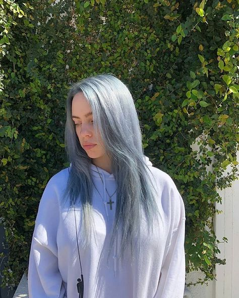 ✦ в 2019 г. billie eilish, que Billie Eilish, Pelo Color Azul, Videos Instagram, Billie Piper, Style Outfits, Guy, Grey Hair, My Idol, Beautiful People
