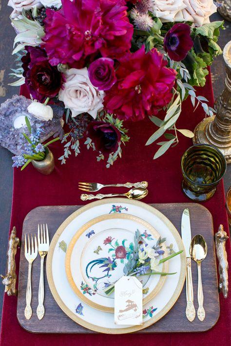 Southern California elopement inspiration | Photo by Scott Clark Photo | Event Design La Boheme Events | Flowers by Moon Canyon Design | Read more - http://www.100layercake.com/blog/?p=67030 ❤❦♪♫