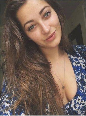 Scamming weiblich love bilder Stop scammers.