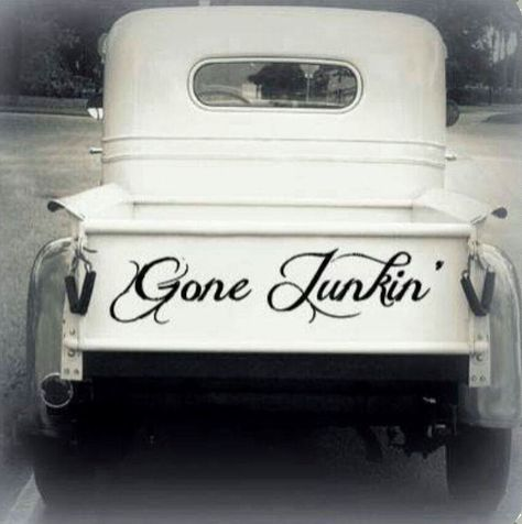 Gone Junkin'............I WANT THIS TRUCK!!!!