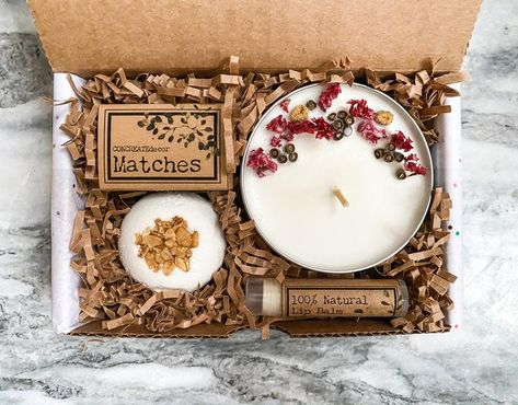 Bath & Beauty box Spa gift set for her Gift box for woman Homemade Candles, Diy Candles, Homemade Gifts, Scented Candles, Gift Boxes For Women, Gift Sets For Her, Beauty Box, Candle Packaging, Christmas Gifts For Mom