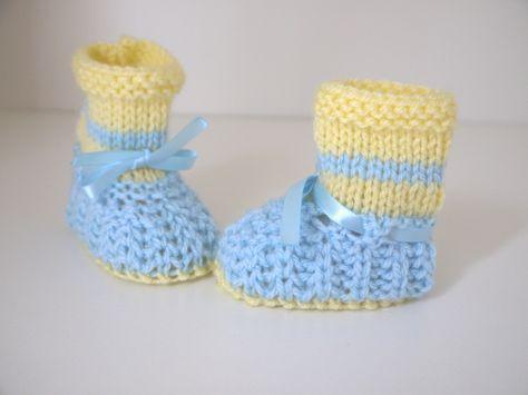 362ad9e2c03b4 Chaussons Laine Bébé garçon et fille 0 3 mois dès naissance tricotés main bleu  clair jaune chaussures