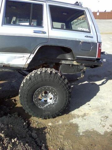 Jeep Cherokee XJ Rear Shackle Relocation Kit