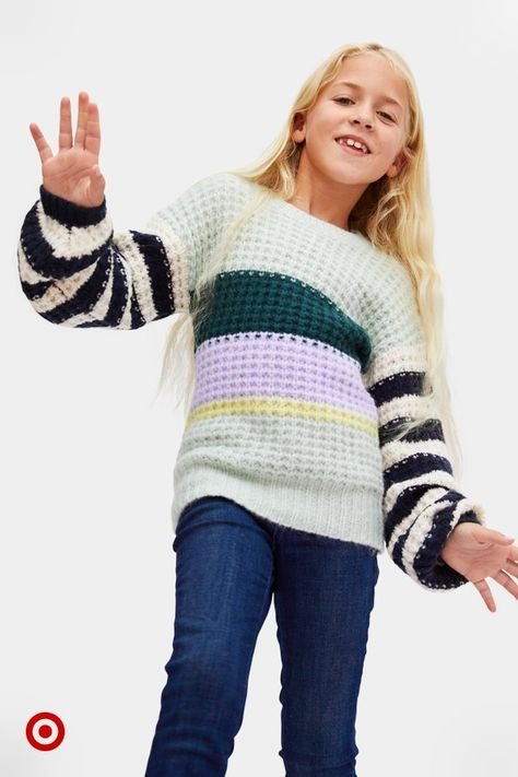 Need outfit ideas for the kiddos? Find cozy sweaters for every winter outfit  holiday family photo.