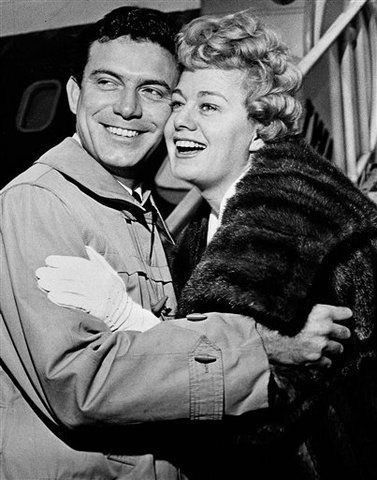 Anthony Franciosa and Shelly Winters | Actors, Shelley winters, Hollywood  star