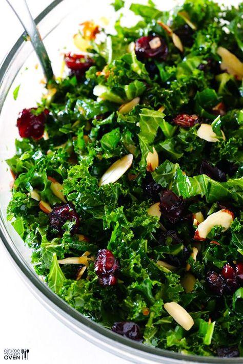 Boerenkoolsalade Met Warme Cranberry Vinaigrette   Geef me wat oven -   #boerenkoolsalade #cranberry #saladrecipe #vinaigrette #warme