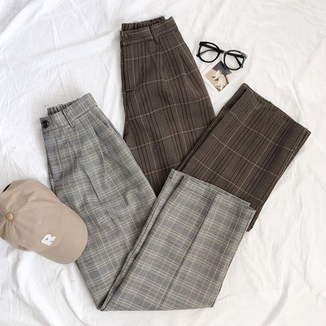A light/dark academia staple: vintage style pants with an allover check pattern! Pants have a button zip closure, two front pockets and an elasticated back waist for extra comfort. Available in grey and brown. Aesthetic Fashion, Aesthetic Clothes, Aesthetic Dark, Aesthetic Outfit, Aesthetic Bedroom, Retro Outfits, Cute Outfits, Pants Pattern, New Wardrobe