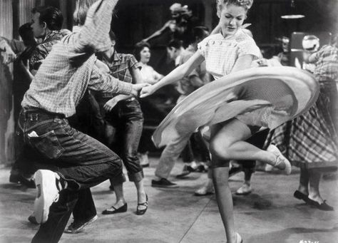I Wish School Dances Were Still Like This Dance In 2018