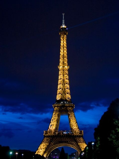 Eiffel Tower at night http://suitcasesandsunsets.com/the-eiffel-tower.html