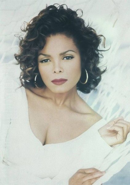 Janet Jackson - The Most Iconic Vintage Short Hairstyles - Photos