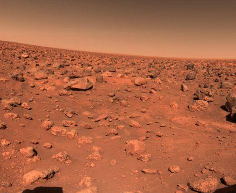 Utopia Planitia on planet Mars, observed by NASA's Viking 2 lander on September 5, 1976. (NASA)