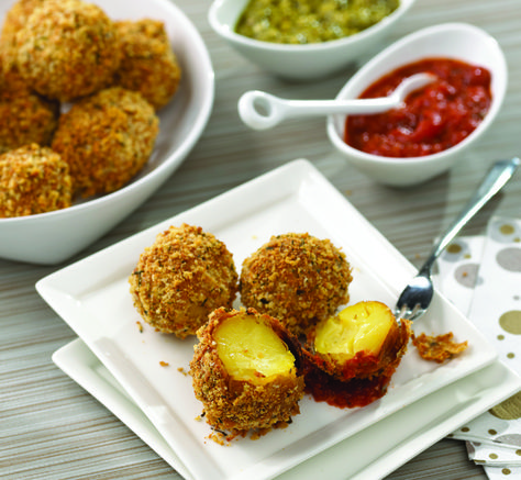 Parmesan Panko Potato Balls: Perfect for a holiday get together and it's a super easy recipe.    #potato #appetizer