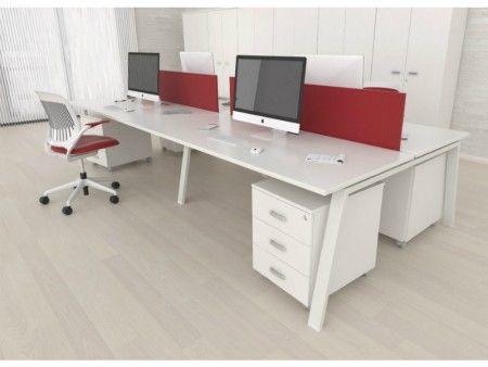 Mesas enfrentadas con separadores tapizados | Serie de ...