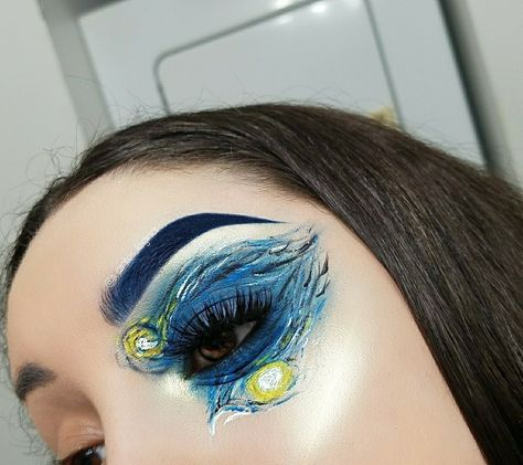 18-Year-Old Erin Timony Painted a Van Gogh on Her Face