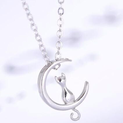 "Cute Playful Cat Pendant Silver Plated 18/"" Chain Necklace in Gift Bag"