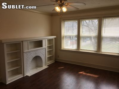 2 Bedroom Apartment To Sublet In South Side Chicago Chicago Apartment Living Room With Fireplace 2 Bedroom Apartment