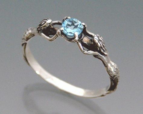 Meerjungfrau-Ring mit Blue Topaz oder Stone von SheppardHillDesigns