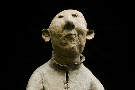 Sculpture de Sophie Favre very expressive without being perfectly correct