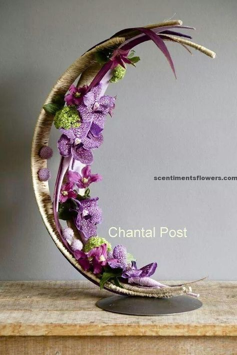 Crescent Flower Arrangement with the nice shape of the crescent can be very good idea to have the special arrangement for flower. That would be very beautiful flower arrangement.