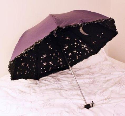 Can I have an umbrella/parasol with glittery stars and moons inside? Too adorable Estilo Lolita, Filles Alternatives, Mode Sombre, Mode Kawaii, Under My Umbrella, Lace Umbrella, Purple Umbrella, Umbrellas Parasols, Damen Sweatshirts