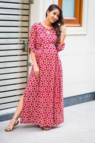 1059c7b5e43 Red Block Print Side Slit Concealed Zips Feeding Dress  momzjoy   ownyourconfidence  maternityfashion  nursingwear  nursingstyle  comfort   India  pregnancy ...