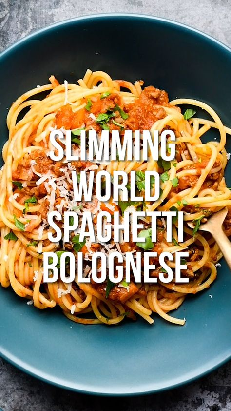 The whole family is going to love this Slimming World Spaghetti Bolognese! A truly rich Bolognese sauce that's syn-free, versatile, suitable for freezing and perfect for Extra Easy SP.  #slimmingworld #bolognese