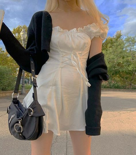 Image about girl in fashionista alert ! by jessica Edgy Outfits, Pretty Outfits, Cool Outfits, Fashion Outfits, Fashion Jobs, Men Fashion, Hipster Outfits, Fall Fashion, Alternative Outfits