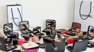 افضل ماركات المكياج العالمية تعتبر منتجات التجميل جزء أساسي لمعظم النساء مما يدفعهم للبحث عن افضل ماركات المكياج واجودها بشكل دائم فالمرأة دائما ت Knife Block