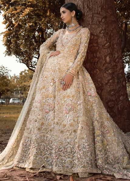 Shiza Hassan Bridal Collection 2019 Online features Pakistani Bridal & Wedding Dresses adorned with Embroidery, Zardozi, Tilla, Gold and Silver Thread Work.