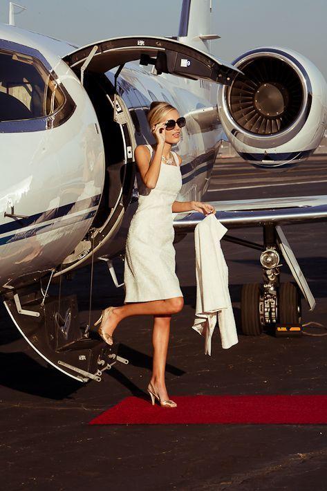 Follow Rent a Stylist https://nl.pinterest.com/rentastylist Ways to Dress Like You're a Millionaire Woman
