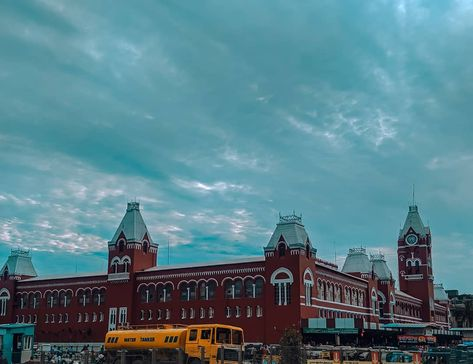 """Puratchi Thalaivar Dr M G Ramachandran Central Railway Station"". . . Camera Model - Moto G5 Plus. Tool - Lightroom, Snapseed. Place - Chennai Central. . . #shotonmoto #mobilephotography #metro #chennaimetro #metrotrain #station #metrostation #train #emptystation #chennai #motography #motog5plus #shotonmoto #empty #empties #photoshop #lightroom #fuglyposts #monochrome #streetphotography #teampixel #wahchennai #pedestrian #itz_chennai"