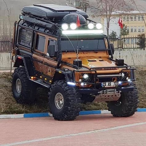Ill just leave this here  #bugout #truckporn #cdlhunter #goanywhere #bugoutvehicle