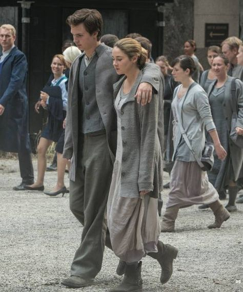 Divergent - Tris and Caleb the traitor