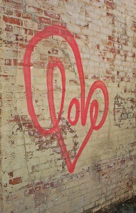 KAH says: Love, love, love.