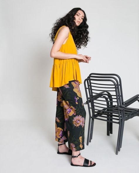 sleeveless ROSLYNA PANT is just the thing...