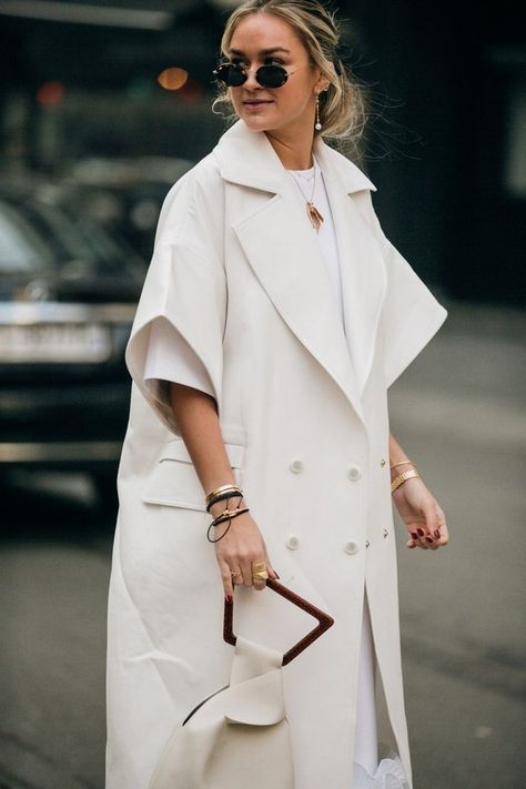 Street style: the looks of the Fashion Week in Milan    -  #women'sstreetstyleCropTops #women'sstreetstyleNYC #women'sstreetstyleSincerelyJules #womensstreetstyle