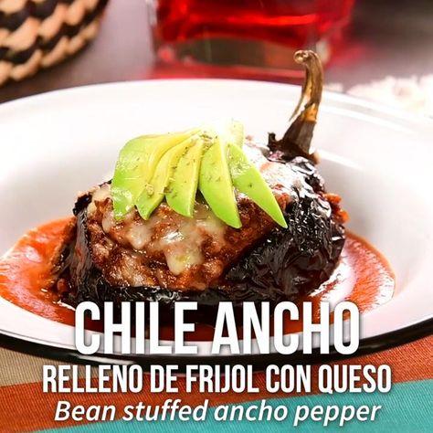 Video de Chile Ancho Relleno de Frijol con Queso